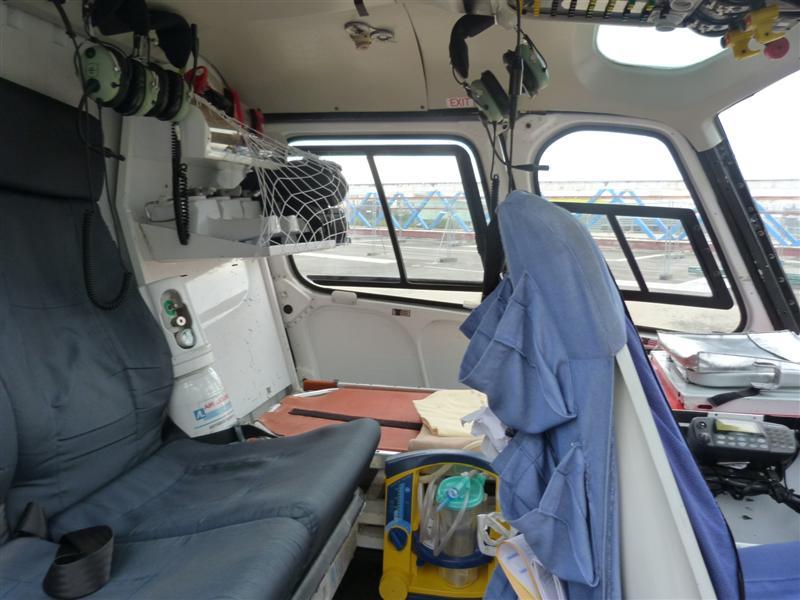 Visite du samu coll ge de la fontaine blanche plougastel for Interieur helicoptere